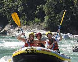 rafting the Cangrejal River